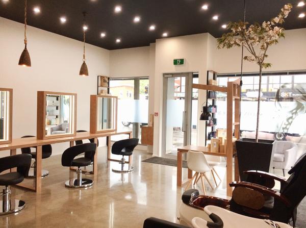 Salon Parlour