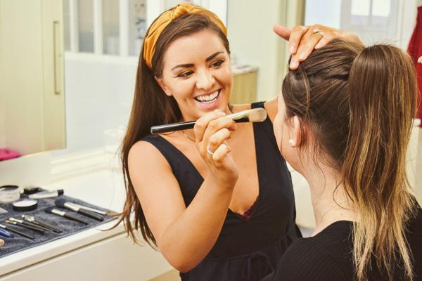 Kristen Stewart School of Makeup